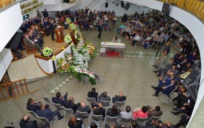 Corpo do pastor Antonio Gilberto é sepultado no Rio