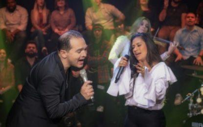 """Simone dupla Simone e Simaria grava """"Deus de promessas"""" com Davi Sacer"""